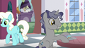 Ponies in the donut shop S5E12.png