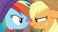 Rainbow Dash vs. Applejack BGES1