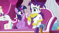 Rarity -shine from the outside in- S7E19