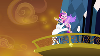 Shining Armor throwing Cadance S3E2