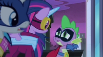 Spike tells Twilight to -freeze her mane!- S4E06