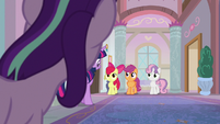 Starlight Glimmer appears behind Twilight S8E12