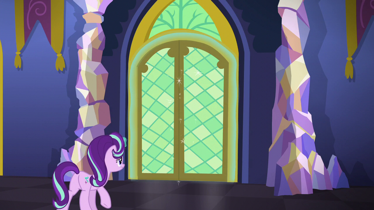 starlight opening a castle door s6e1png - Violet Castle 2016