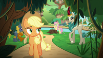 Applejack leaving the Kirin village S8E23