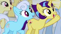 More ponies chanting -Friendship U!- S8E16