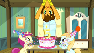 S04E12 CheeseSandwich na urodzinach