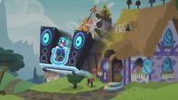 S05E09 DJ Pon-3 i Octavia wyjeżdżają z domu