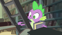 Spike sees Owlowiscious S4E23