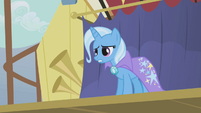 Trixie talking at Rainbow Dash S1E06