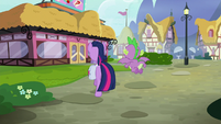 Twilight and Spike approach the Hay Burger S9E16
