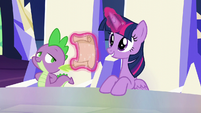 Twilight levitating a scroll about to tell some news S5E19