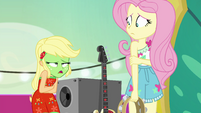 "Applejack ""she sure wasn't helpin' me"" EGSB"