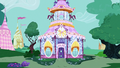 Carousel Boutique exterior at midday S7E5.png