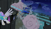 Nightmare Moon chasing Princess Celestia S4E2