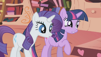 Rarity listens to Twilight's stomach rumbling S1E03