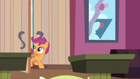 Scootaloo entering the bowling alley S9E23