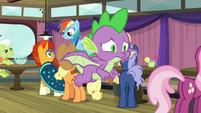 Spike flies after Twilight with worry S9E16