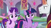 Twilight nervously greets Chancellor Neighsay S8E1