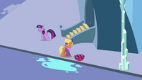 Twilight saying hello to Harshwhinny S03E12