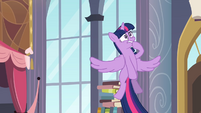 Twilight worried while flying 2 S4E01