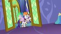 A messy Rarity opens door S6E5.png