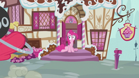 Pinkie Pie on front of entrance S2E06