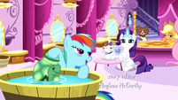 Rainbow and Rarity grooming their pets S5E13