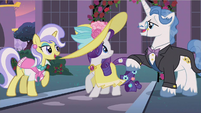 Rarity sees Fancypants S2E9