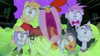 S2E04 Pinkie screaming
