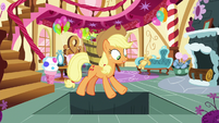 Secret trapdoor opens under Applejack S7E23