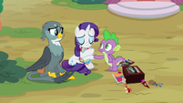 Spike and Gabby feel sorry for Rarity S9E19
