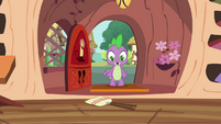 Spike finds the broom S4E15