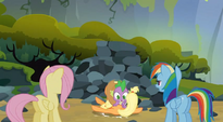 Spike landing on Applejack S3E9