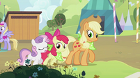 Sweetie Belle, Apple Bloom and Applejack walking together S2E05