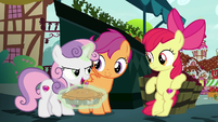 """Sweetie Belle """"let's go find your brother!"""" S9E23"""