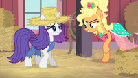 Applejack walking up to Rarity S4E13