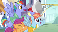 "Bow and Windy chanting ""cut the ribbon!"" S7E7.png"