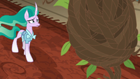 Mistmane approaches Sable Spirit's cocoon S7E16