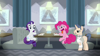 Pinkie Pie still repulsed by the food S6E12