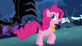 Pinkie Pie teases the vine S4E02.png
