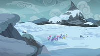 Spike leads royal guards into the Arctic Wastes S6E16