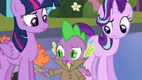 Spike removing his disguise S6E16