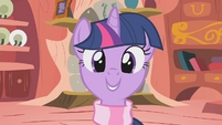 Twilight ready for Winter Wrap Day S1E11