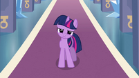 Twilight thinking in throne room S3E2