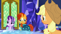 Applejack and Sunburst unable to keep up S7E25