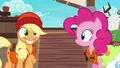 Applejack grinning excitedly S6E22.png
