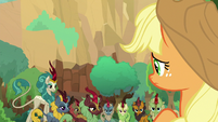 Applejack looking back at the Kirin S8E23