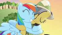 Daring Do hugs Rainbow Dash back S4E04