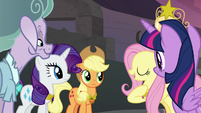 "Fluttershy ""healing magic instead of banishing"" S7E26"