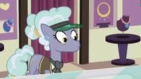 Jeweler Pony notices Trixie's cinnamon nuts S7E2